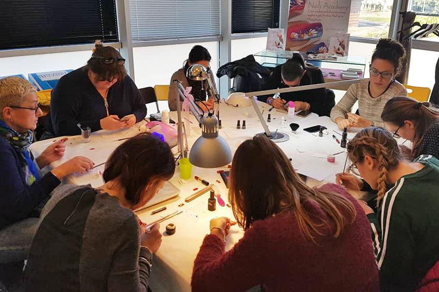 Corsi ricostruzione unghie a Lucca - Lucca Nail Academy